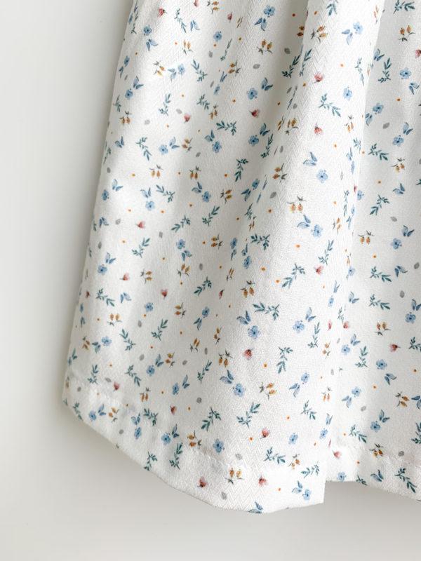 Jupe Agathe : Jupe fleurie, fond blanc, petites fleurs bleues